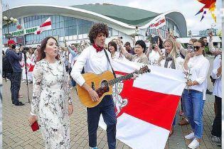 """Гурт """"NAVIBAND"""" переїхав до Польщі"""