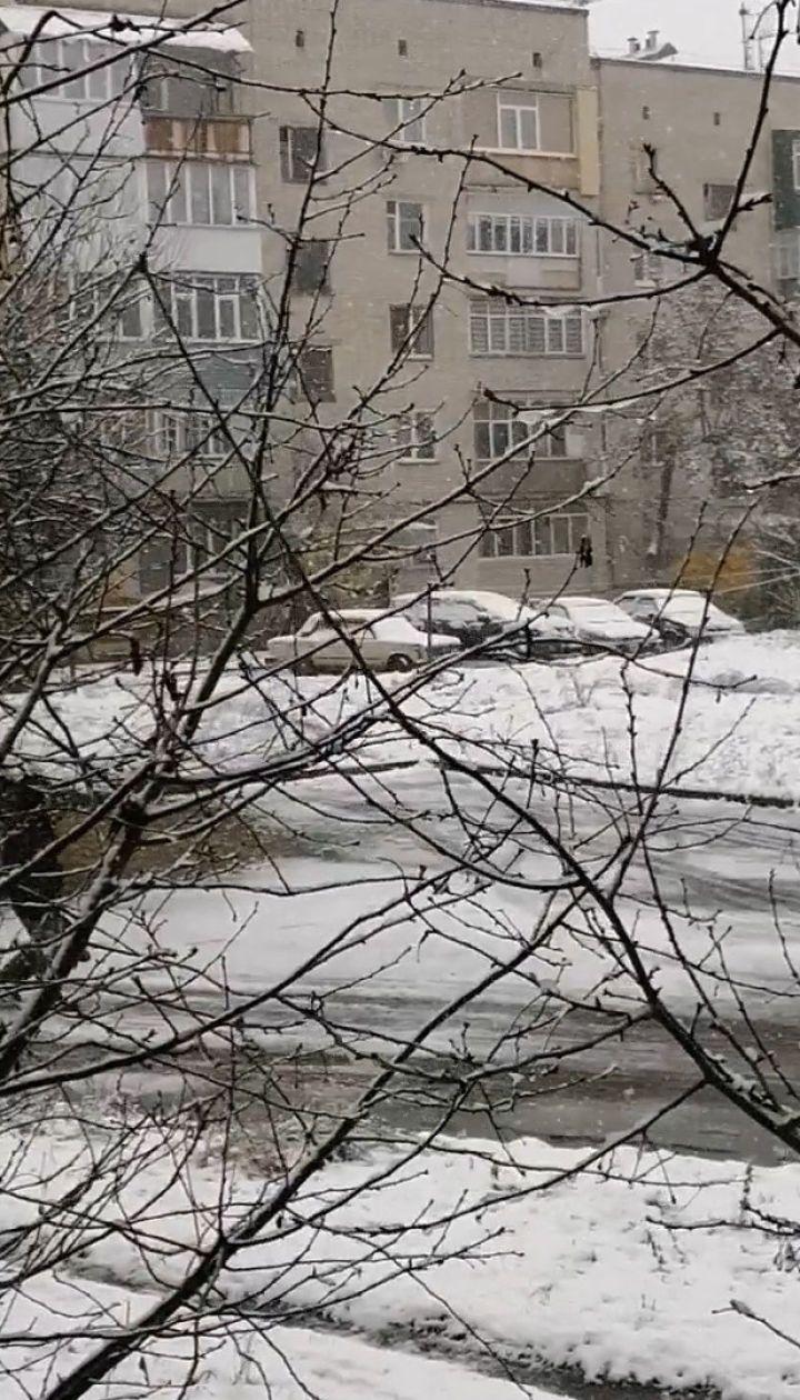 Шостку засипало першим снігом