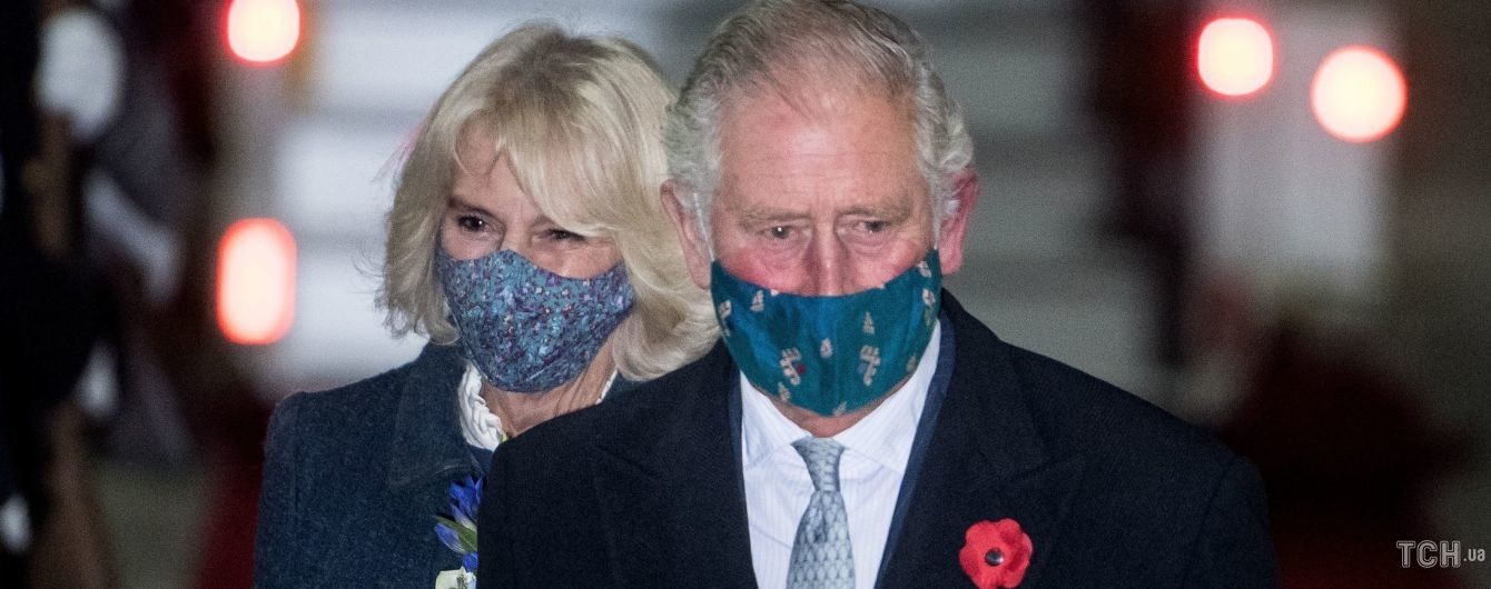 В строгих нарядах: принц Чарльз и герцогиня Корнуоллская прилетели в Германию