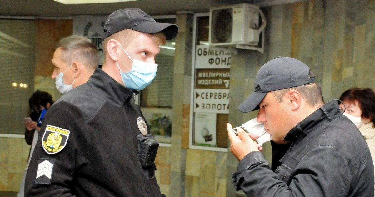 Нарушение карантина выходного дня: полицейские составили почти тысячу админпротоколов