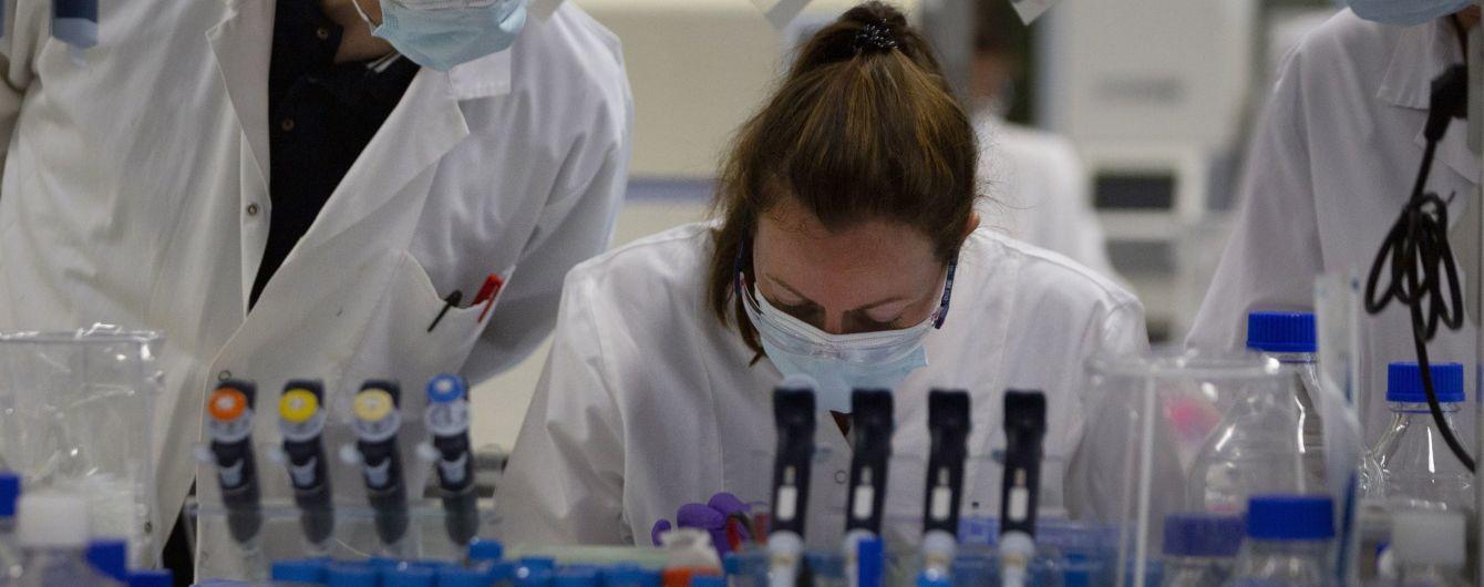 Johnson & Johnson после приостановления возобновляет испытания вакцины от коронавируса на поздней стадии