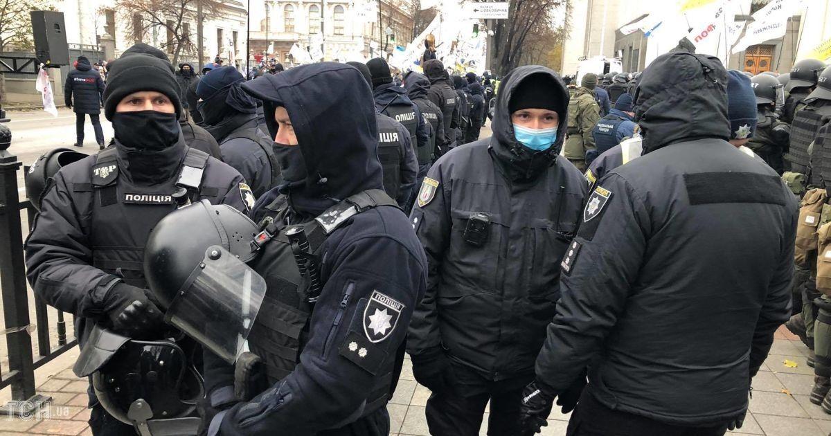 В Киеве возле Верховной Рады задержан один из протестующих
