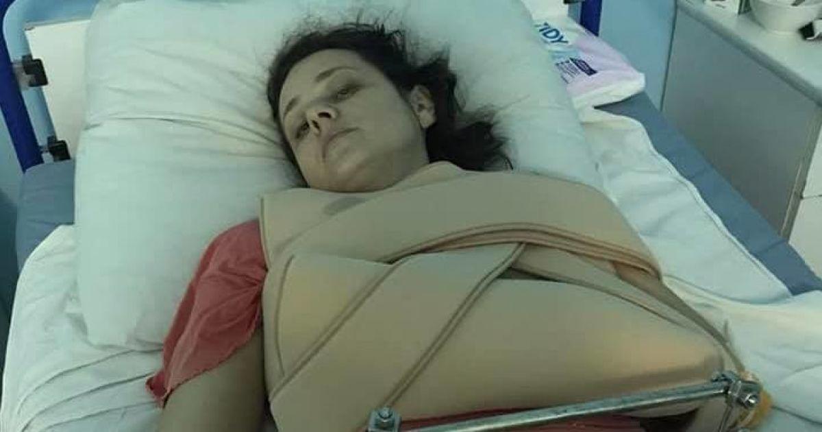 Не может двигаться: пострадавшей в ДТП на остановке в Киеве сделали вторую операцию