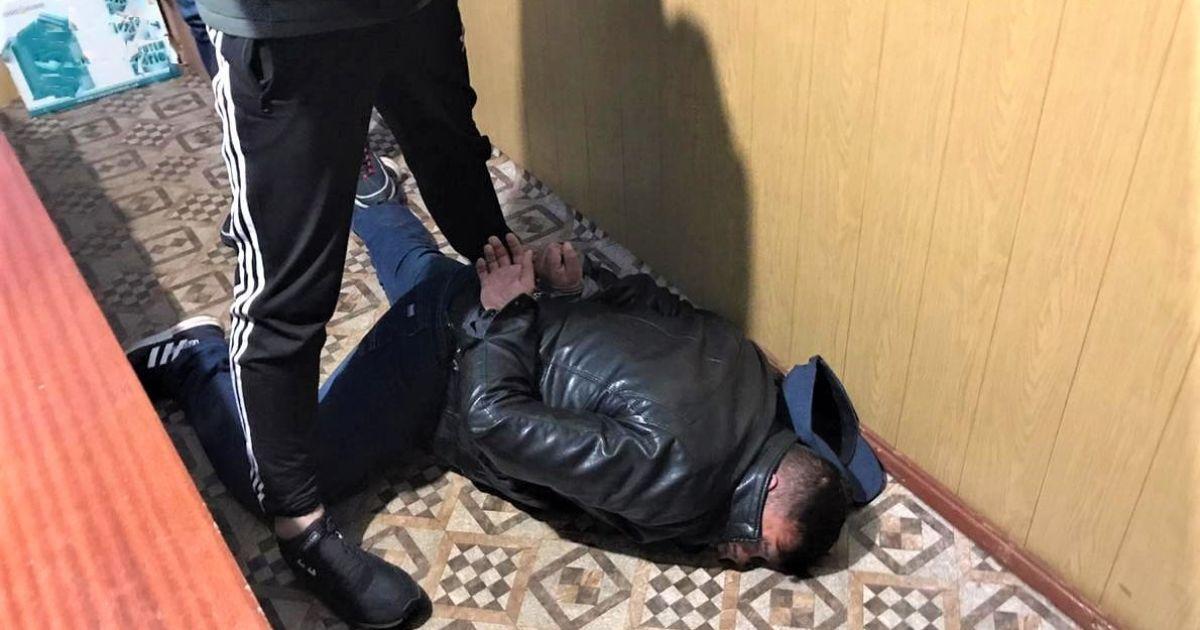 В Борисполе мужчина изнасиловал несовершеннолетнюю