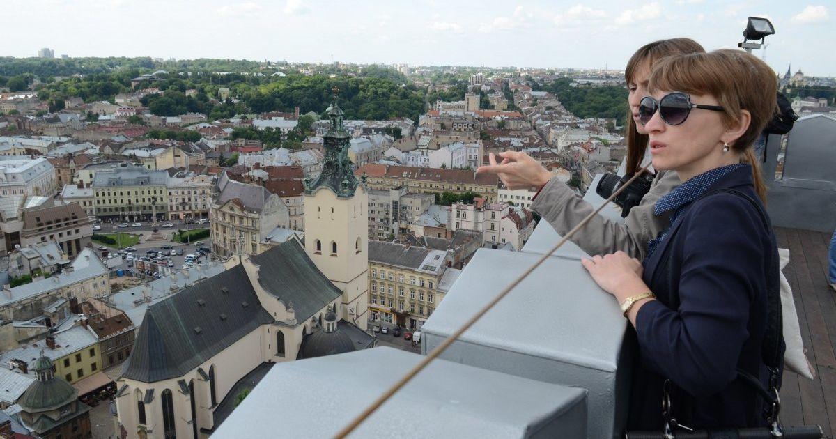 Поток туристов в Украину из-за пандемии коронавируса уменьшился в четыре раза