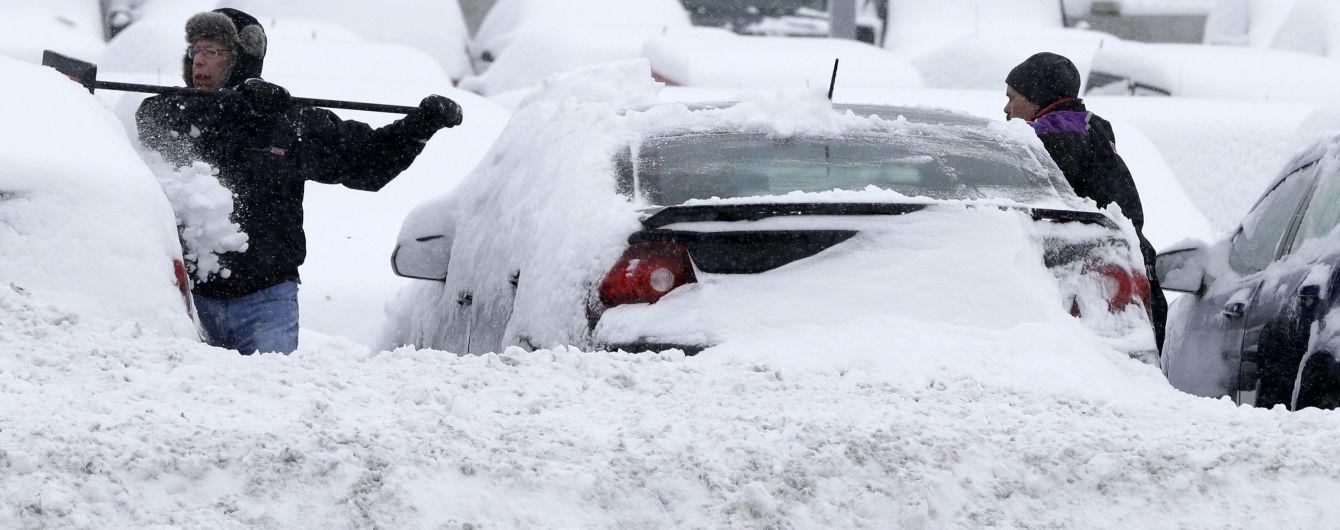 Водіям дали поради, як правильно очистити автомобіль від снігу та льоду