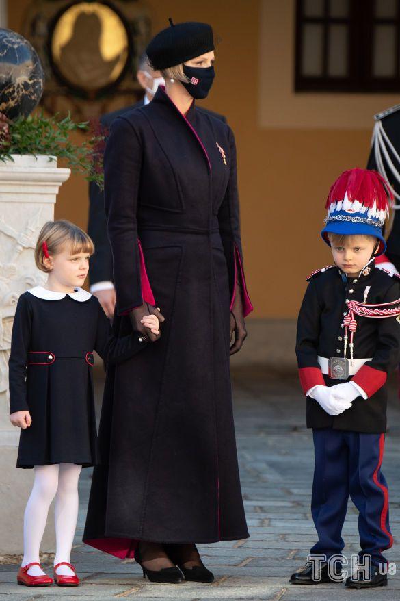 Княгиня Шарлин с детьми_1