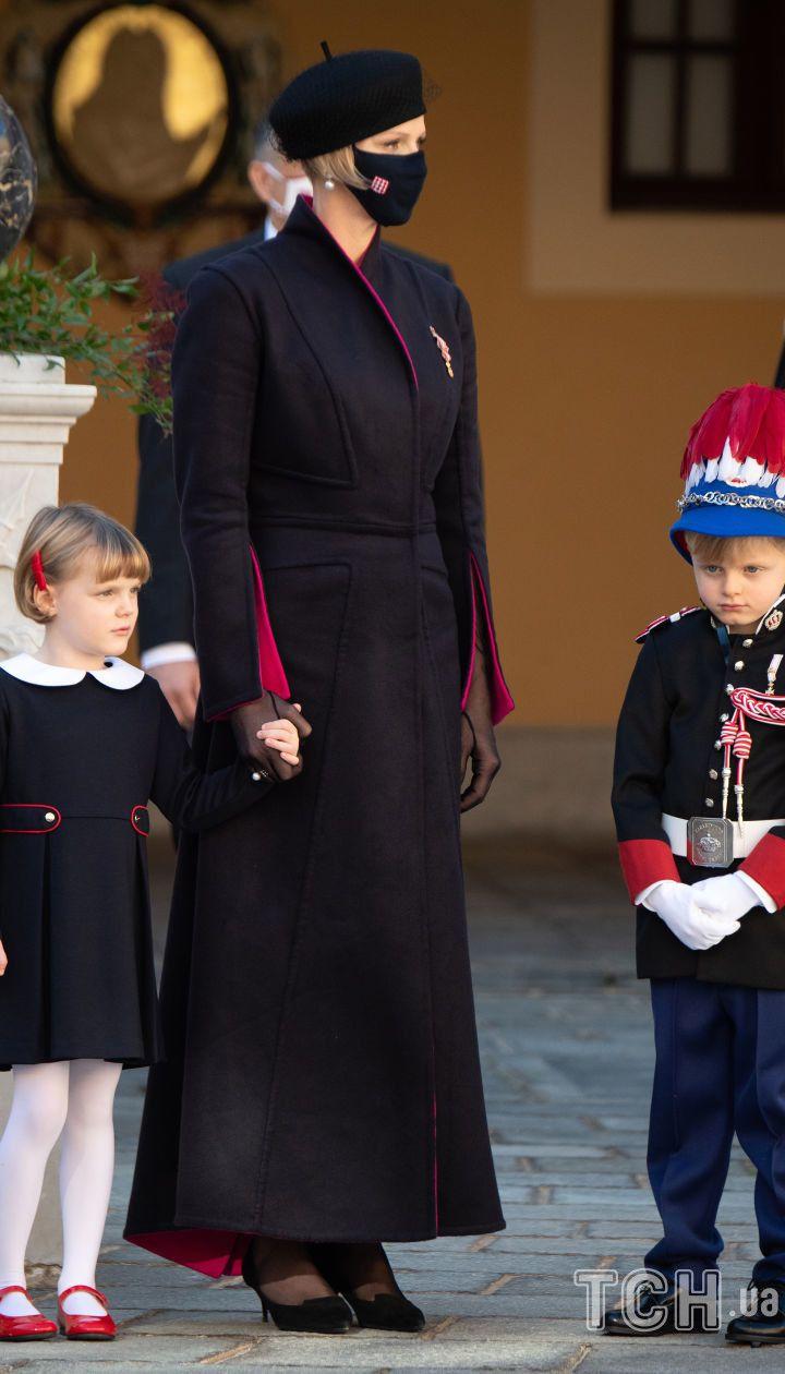 Княгиня Шарлін з дітьми