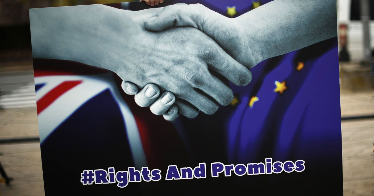 Brexit: Британия и ЕС приостановили переговоры