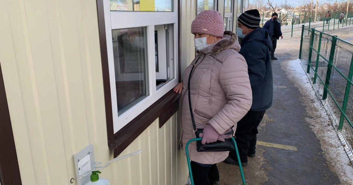Бойовики на Донбасі блокують роботу п'ятьох КПВВ
