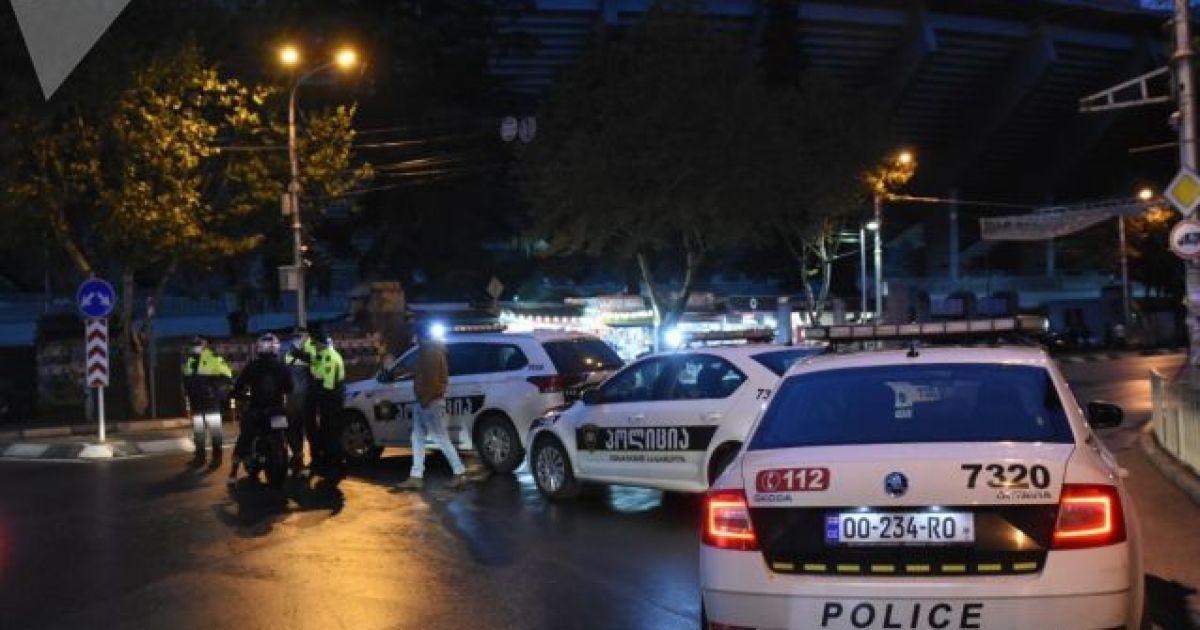 У центрі Тбілісі озброєний чоловік захопив офіс МФО та взяв заручників