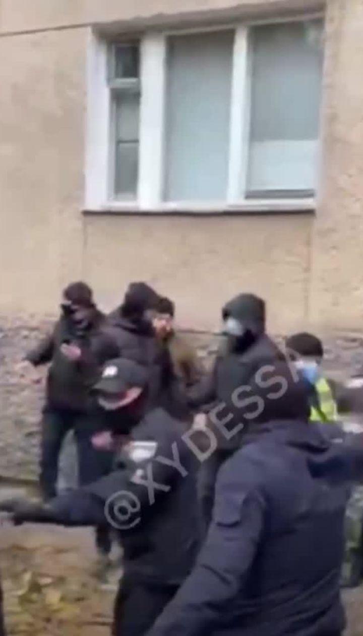 В Одессе между частными охранниками и активистами произошла драка