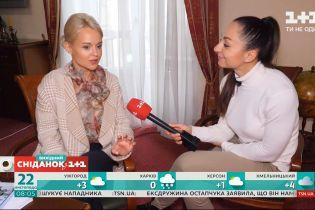 "Одна актриса на две роли и женские драки: закулисье съемок сериала ""Разница в возрасте"" — Телесніданок"