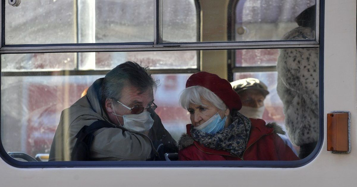 В Украине немного уменьшился показатель заболеваемости: за сутки обнаружили около 12 тысяч больных