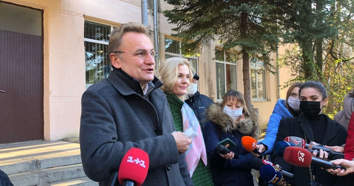 Післявиборчий скандал у Львові: Садовий заявив про спробу узурпувати владу опонентами