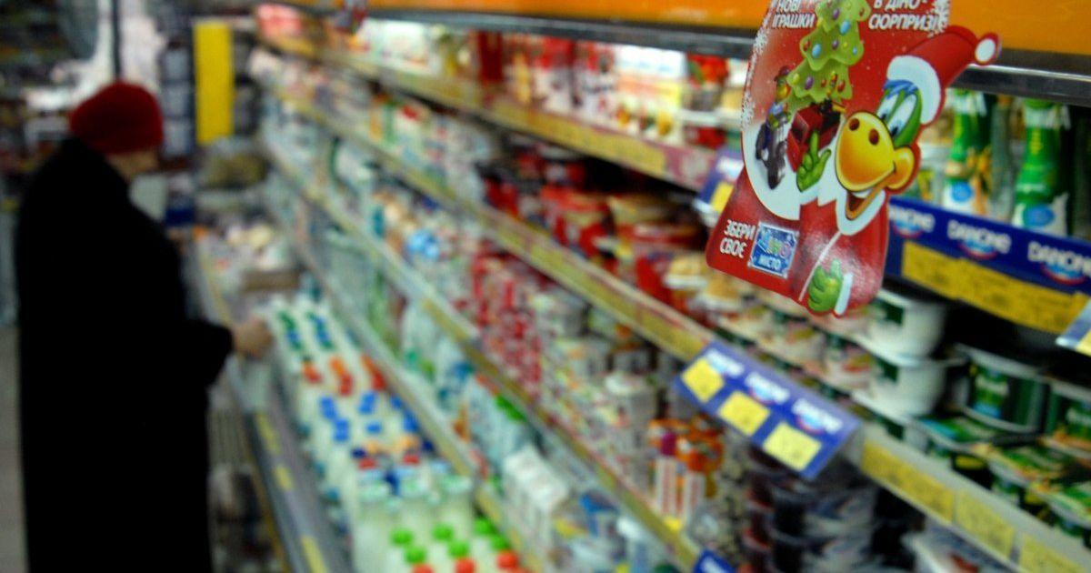 В магазинах появляется все больше импортируемого: в Украине уменьшается производство молока
