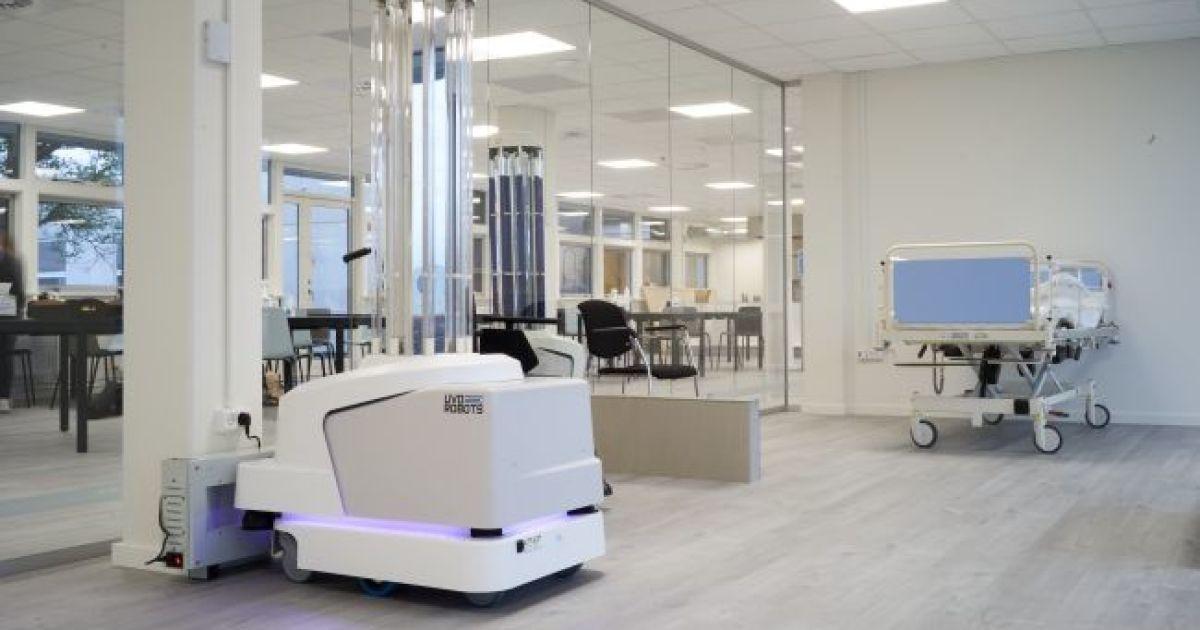 Чтобы уменьшить распространение COVID-19, к дезинфекции больниц в ЕС привлекут роботов