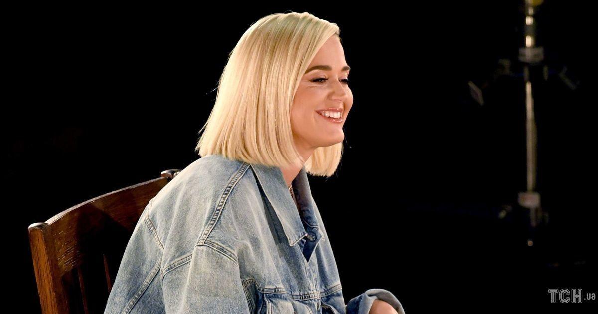 Вперше після пологів: Кеті Перрі виступила на музичній премії