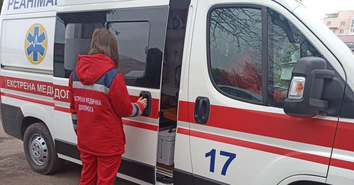 В Киеве водитель такси сбил пешехода прямо на зебре: появилось жуткое видео