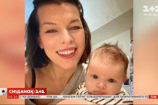 44-летняя Мила Йовович удивила фанатов видом без макияжа