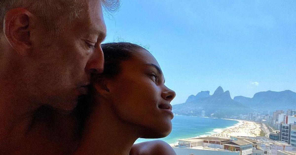 Тіна Кунакі поділилася інтимним фото в день народження чоловіка
