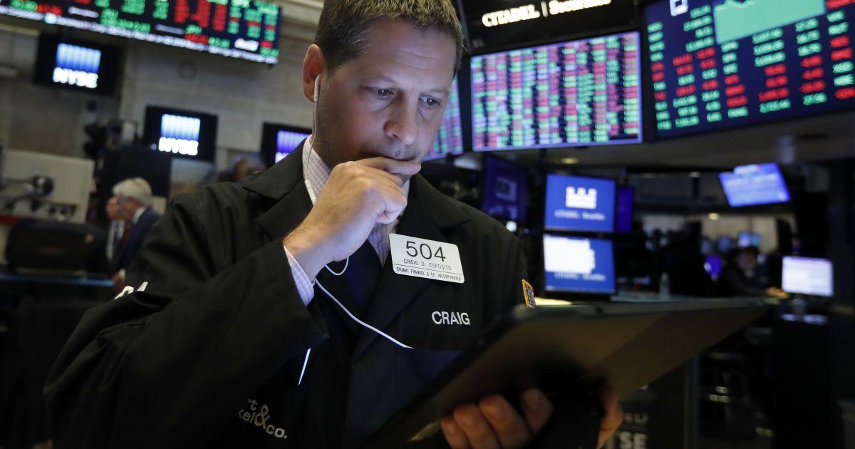 Акции американских компаний начали одновременно и стремительно дорожать: в чем причина и какие показатели