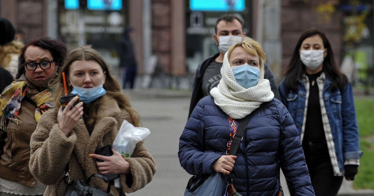 Стремительное распространение: Украина третья в Европе по количеству новых случаев коронавируса
