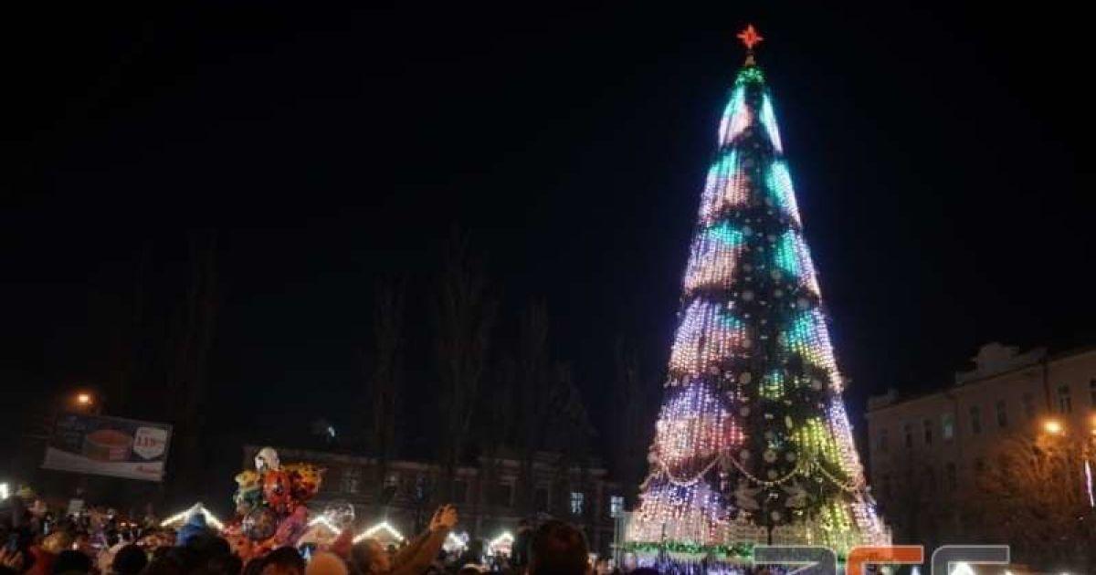 Власти Черновцов рассказали, будет ли в городе главная елка