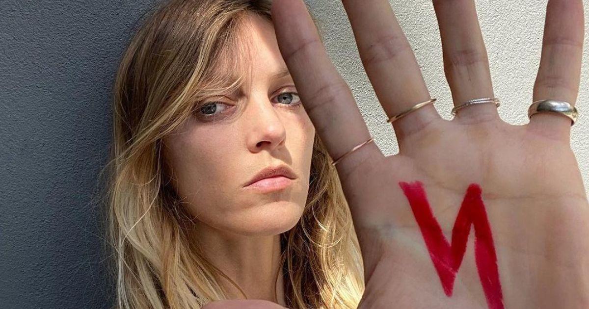 Гола і смілива: польська модель Аня Рубік оголилася проти заборони абортів
