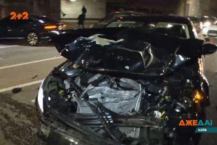 Жорстка карусель на дорозі – аварія на столичній трасі