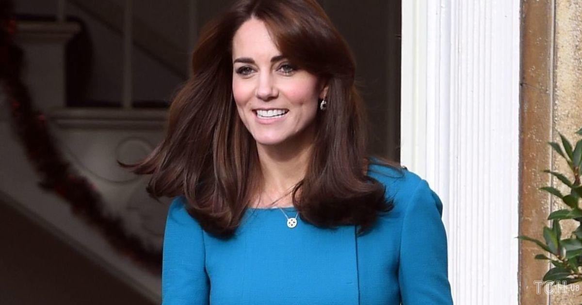 У куртці і білому светрі: герцогиня Кембриджська постала в новому ролику