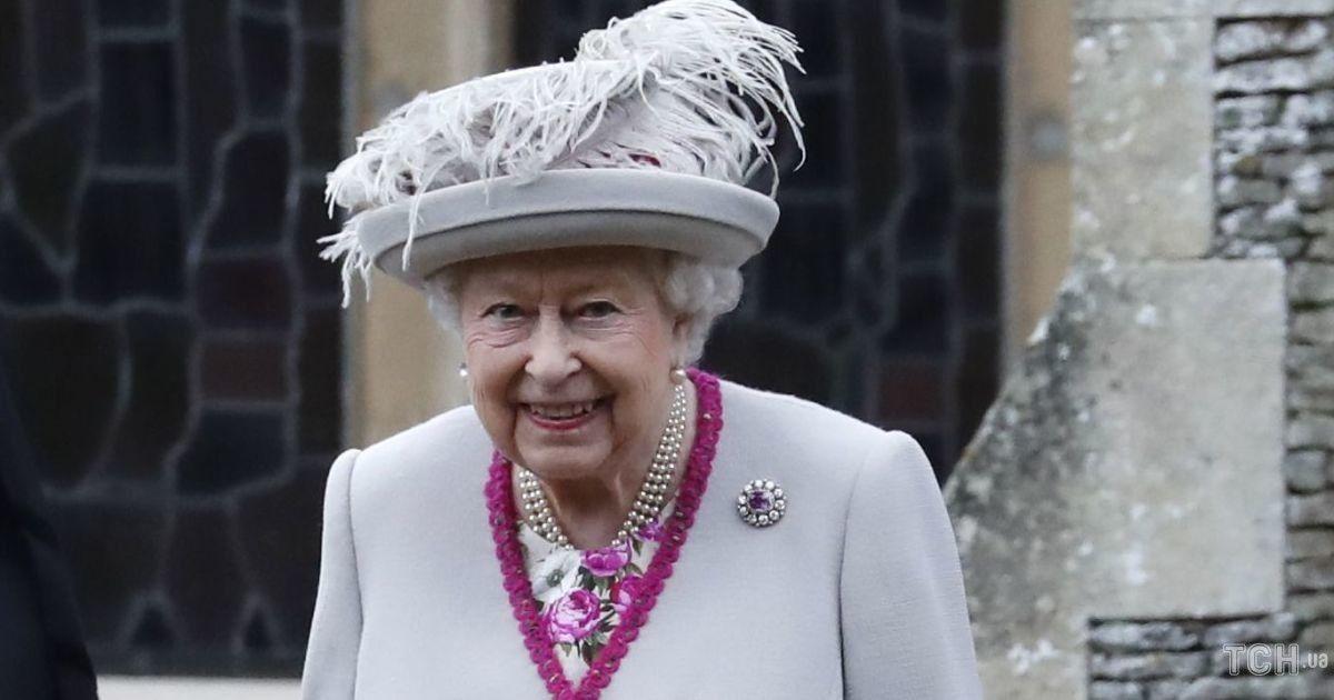 Королева Великобритании Елизавета II и ее муж вакцинируются против коронавируса