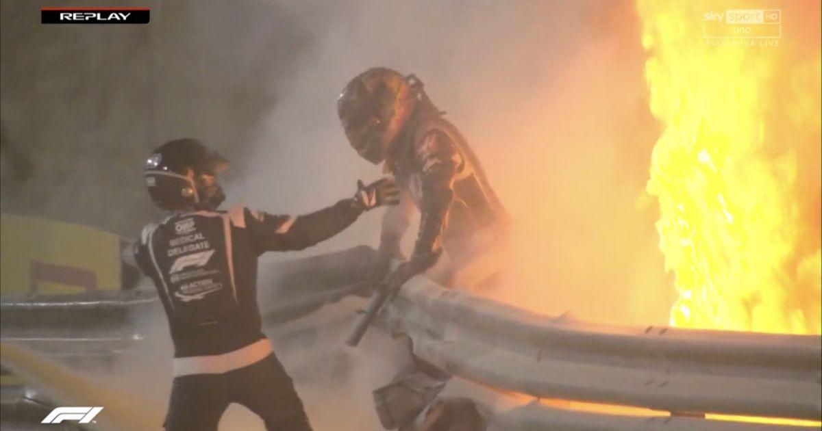 Пилот Формулы-1 едва не погиб на Гран-при Бахрейна: болид взорвался и разлетелся на части (видео)