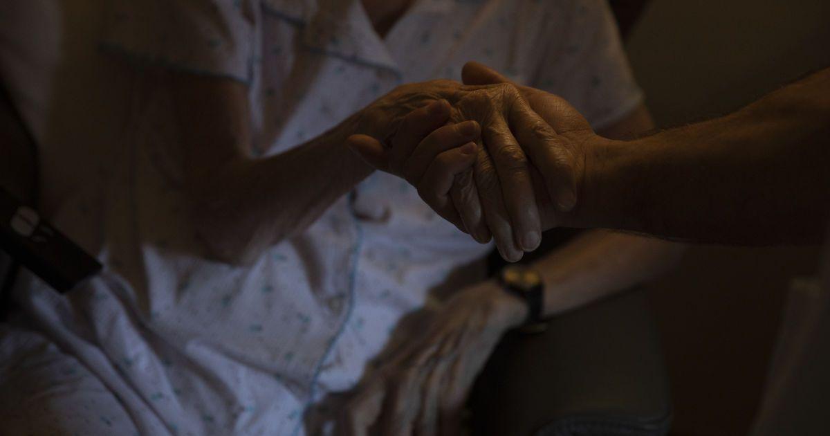 Сам на сам з коронавірусом: у селі під Черніговом люди залишилися без лікарської допомоги