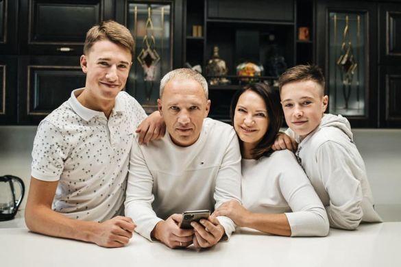 Роман Клічук і сім'я