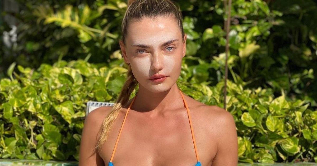 В бікіні і з захисним кремом на обличчі: українська модель Аліна Байкова засмагає в Маямі