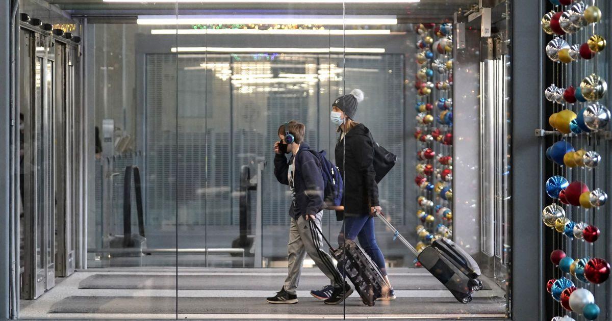 Лететь нельзя остаться: каким будет отдых за границей на Новый год, сколько стоит, какие риски