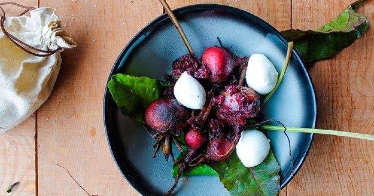 Бадьорий ранок: запечений буряк із журавлиною і сиром