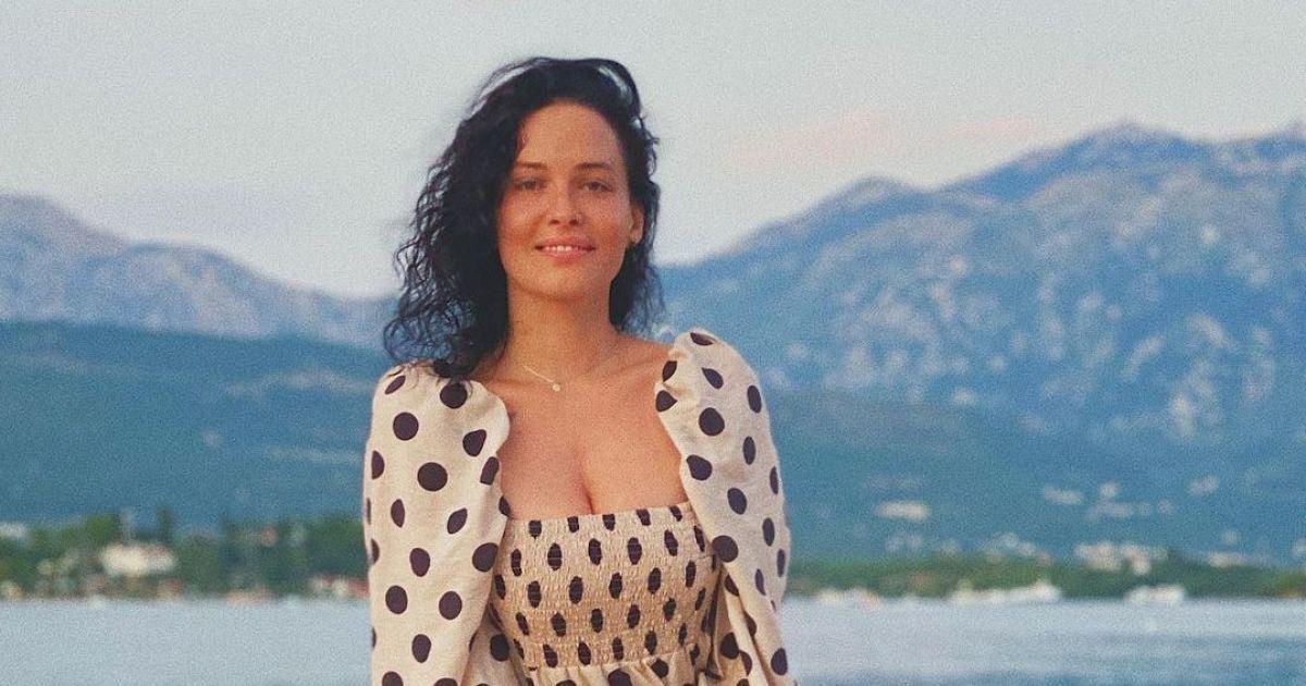 Даша Астафьева показала, как на серфе укротила волны Доминиканы