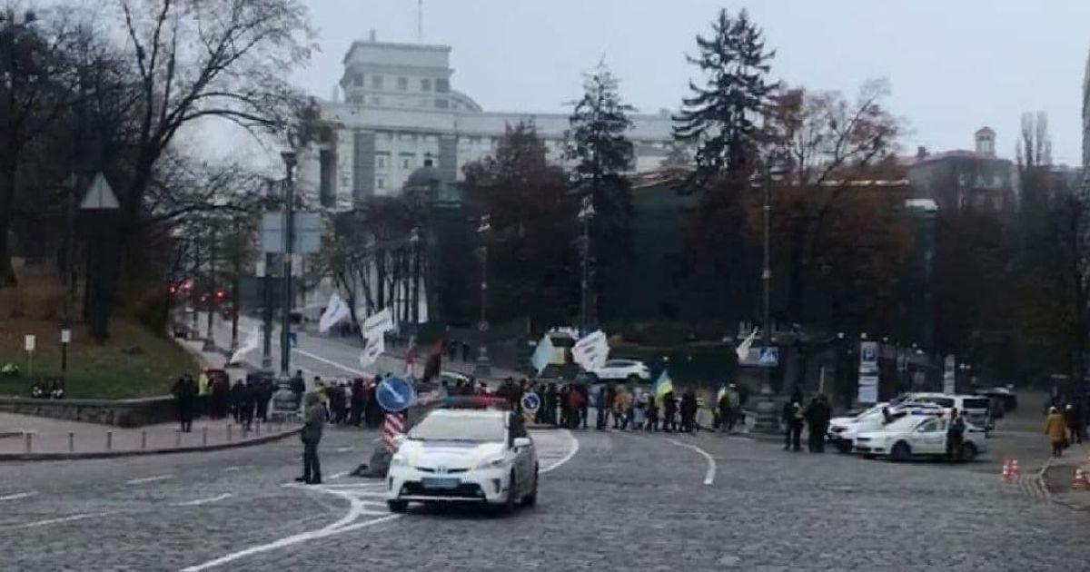 В Киеве предприниматели вновь вышли на акцию протеста и заблокировали движение в центре города