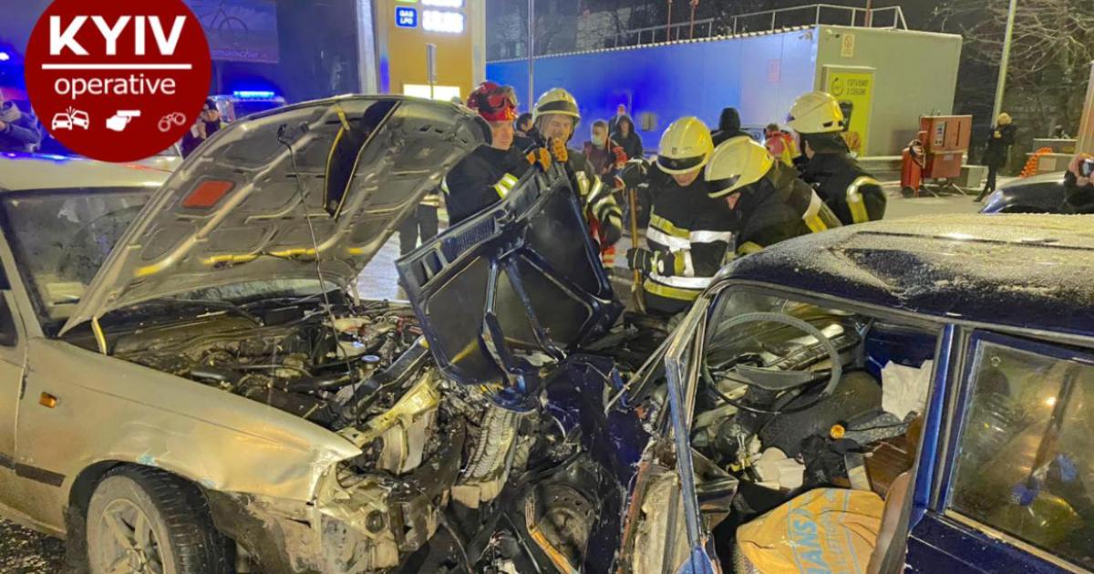 В Киеве произошло масштабное ДТП из-за невнимательности водителя Nexia: пострадали дети