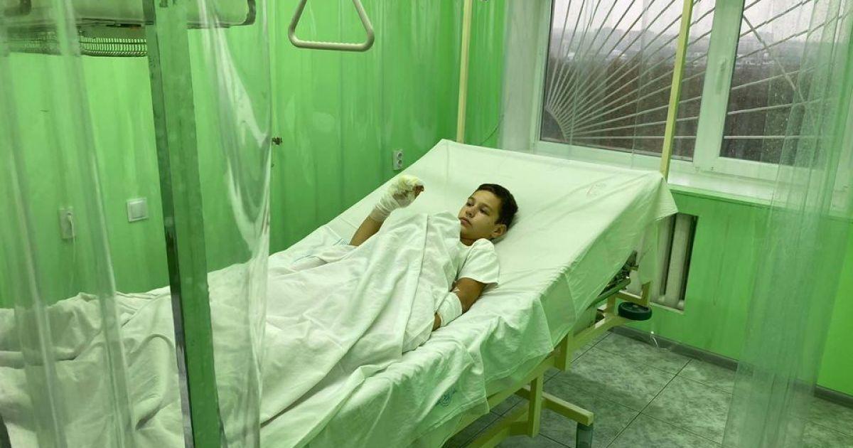 """""""Хотели немного облить и сразу погасить"""": мальчик из Бердянска, которого подожгли товарищи, рассказал подробности (видео)"""