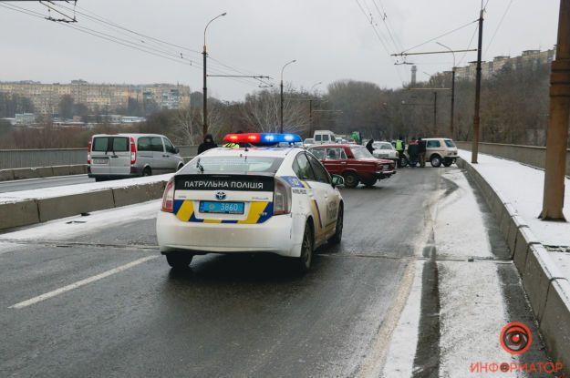 Первые снегопады в Украине спровоцировали многочисленные ДТП