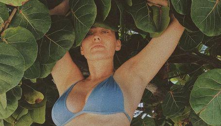 У блакитному бікіні і без макіяжу: Даша Астаф'єва на відпочинку в Домінікані