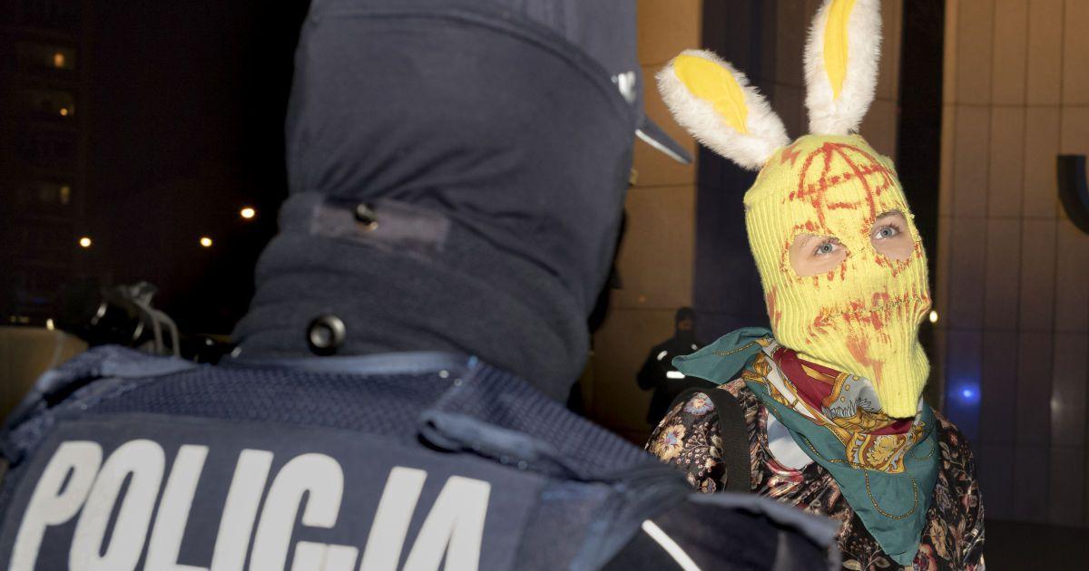 Польща зафіксувала мільйон заражень коронавірусом