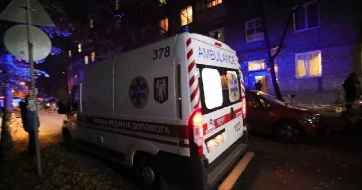 В Киеве на Оболони шестеро парней избили мужчину из-за замечания
