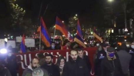 У Вірменії тривають акції непокори, активісти блокують рух