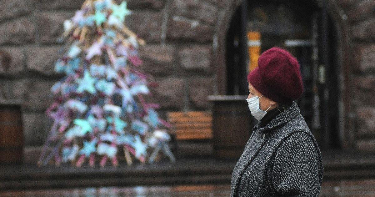Локдаун в Украине: Шмыгаль рассказал, какие заведения скорее всего закроют в январе