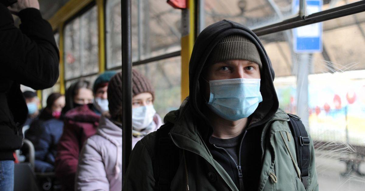 В Украине общее количество случаев заражения коронавируса перевалило за 800 тысяч — статистика