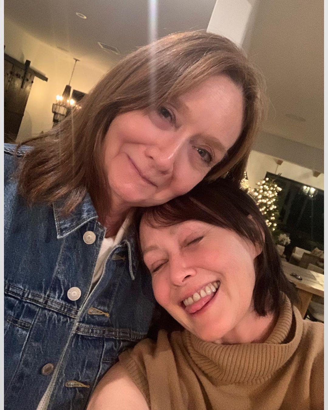 Шеннен Догерті з мамою_2